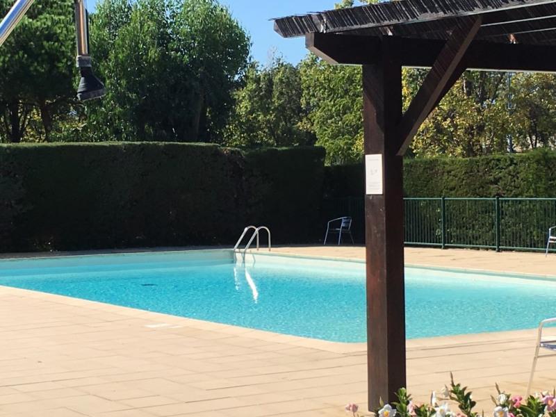 Location vacances Mandelieu-la-Napoule -  Appartement - 6 personnes - Chaise longue - Photo N° 1