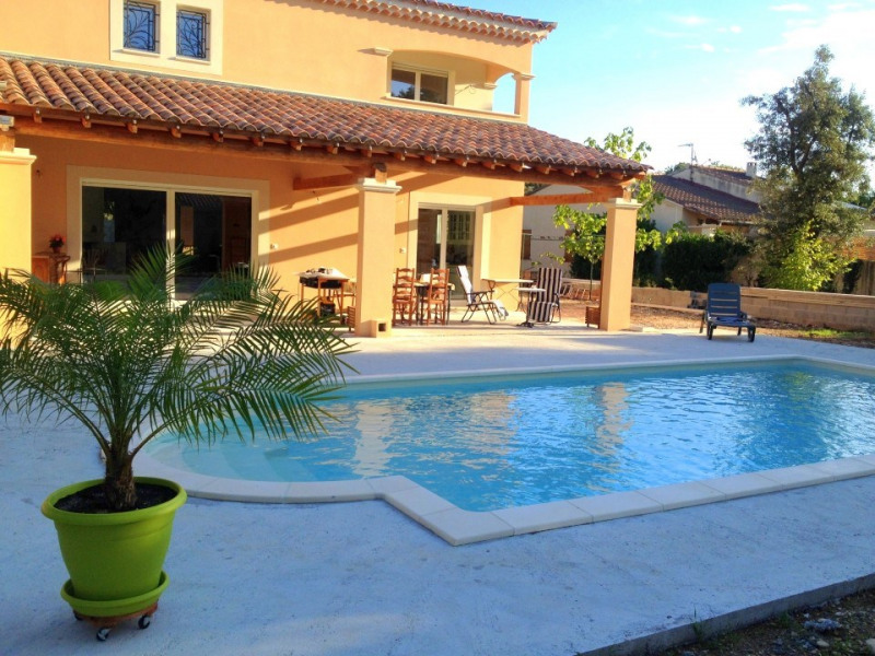 Heated and private pool in Vaucluse Mont Ventoux