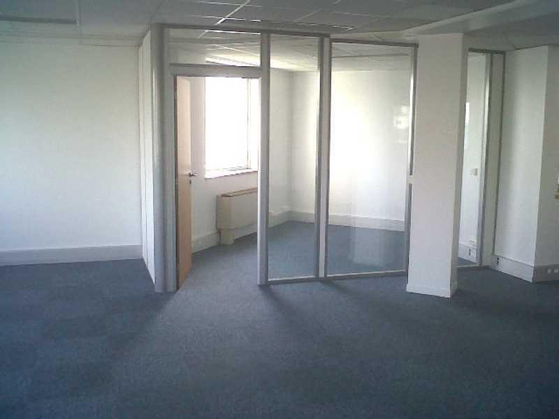 location bureau issy les moulineaux le petit pont amphibie 92130 bureau issy les. Black Bedroom Furniture Sets. Home Design Ideas