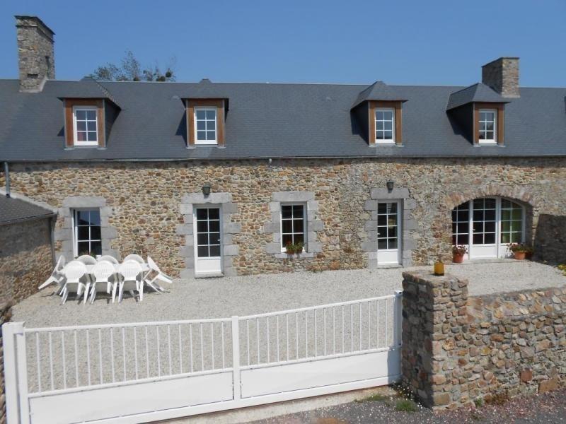 Location vacances Gouville-sur-Mer -  Maison - 10 personnes - Barbecue - Photo N° 1