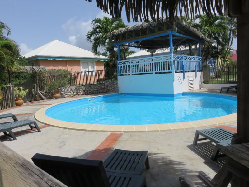 piscine - carbet - transats & parasols