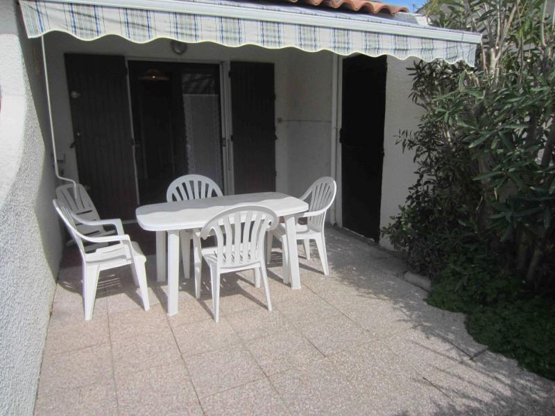 Location vacances Saintes-Maries-de-la-Mer -  Appartement - 5 personnes - Télévision - Photo N° 1