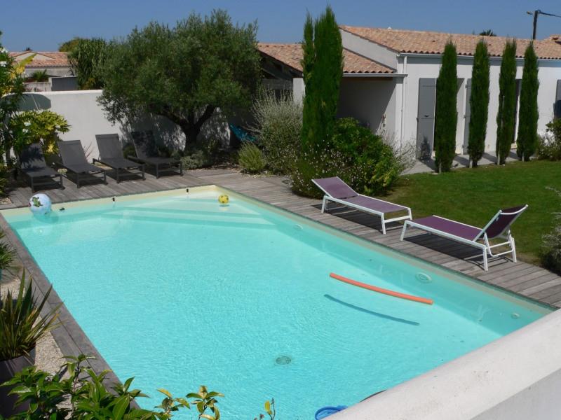 Maison haut de gamme - Niveau 5* - avec piscine + jardin - proche plage et commerces - Ile d'Oléron, à La-Brée-Les-Bains