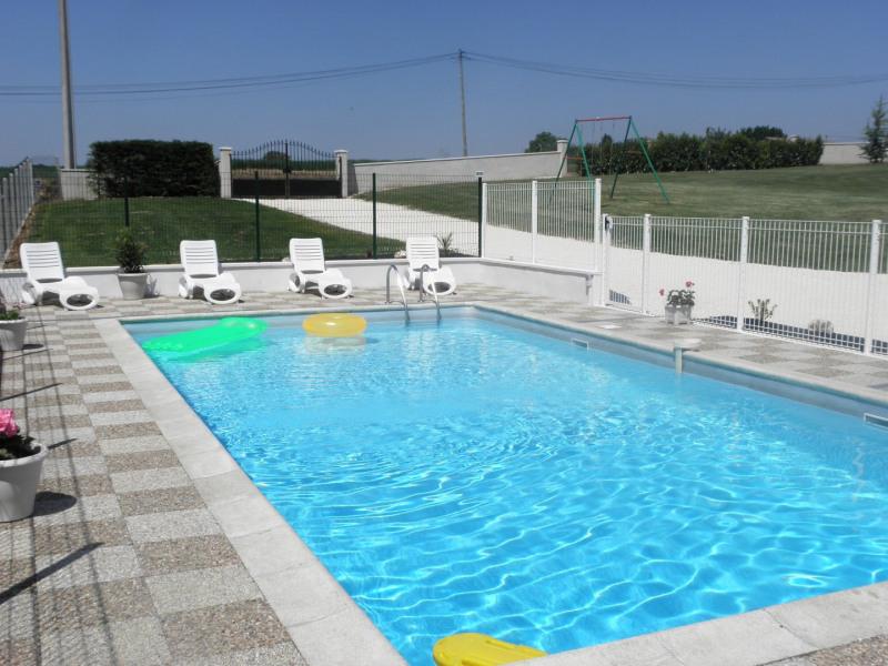 """Maison """"Le Moulin"""" 6/9 personnes avec piscine et jacuzzi privés en campagne"""
