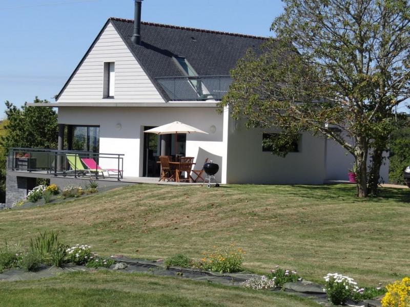 Maison récente, au calme avec vue sur la baie de Douarnenez, WIFI