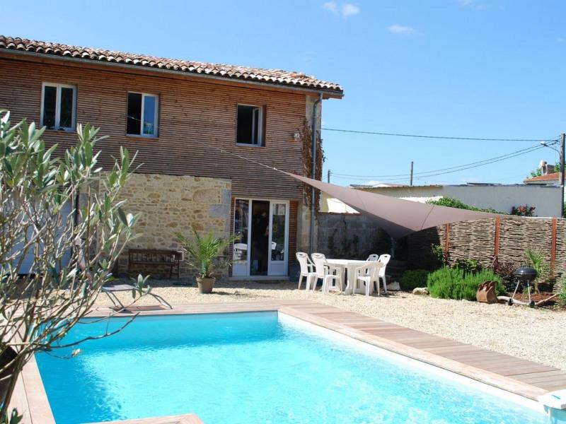 Maison avec piscine au coeur des vignes du Médoc entre particulier