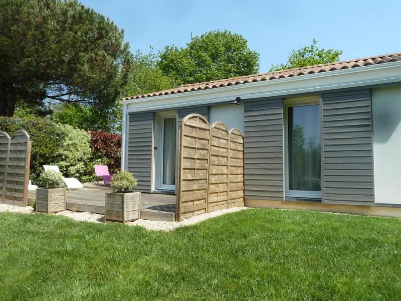 Location vacances Talmont-Saint-Hilaire -  Maison - 4 personnes - Salon de jardin - Photo N° 1