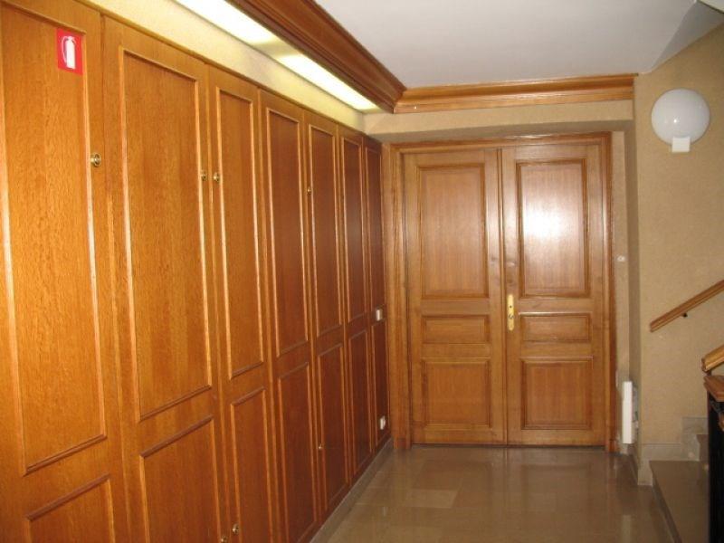 location bureau versailles notre dame 78000 bureau versailles notre dame de 94 m ref 2244. Black Bedroom Furniture Sets. Home Design Ideas