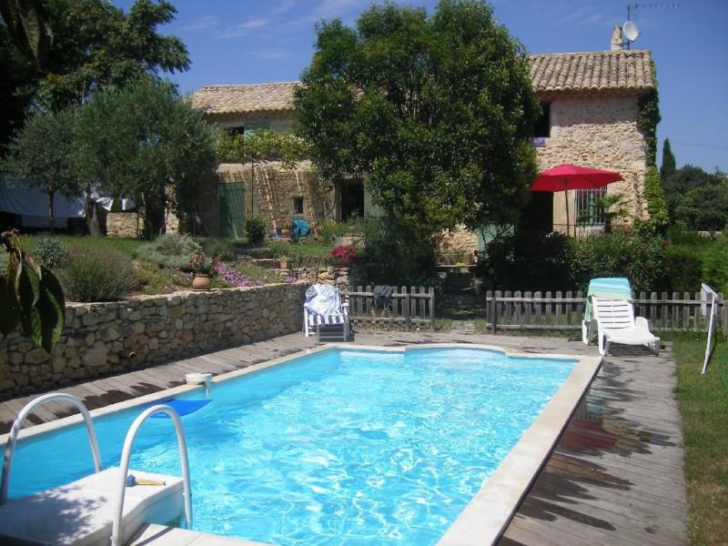 maison et piscine privée