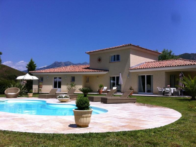 Villa de grand standing avec piscine et spa à Ajaccio