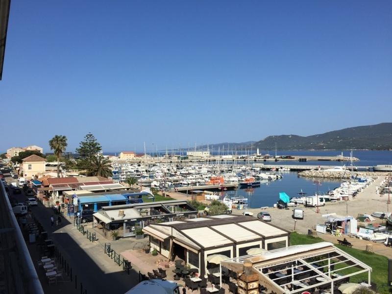 Agence Propriano Location : Magnifique T4 en centre ville, Vue imprenable sur le port de Proprian...