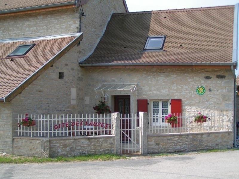 Location vacances Charette -  Maison - 8 personnes - Barbecue - Photo N° 1