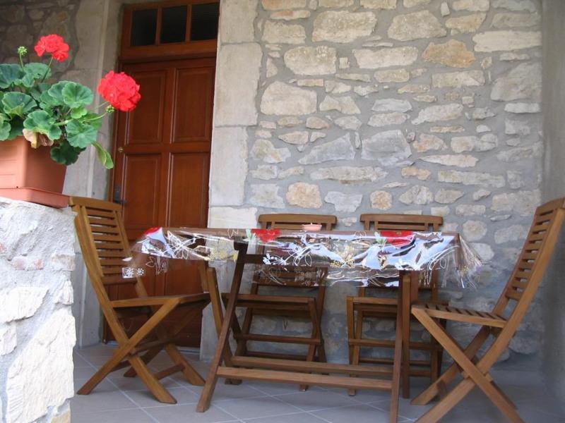 Location vacances Saint-Jean-de-Maruéjols-et-Avéjan -  Maison - 6 personnes - Barbecue - Photo N° 1