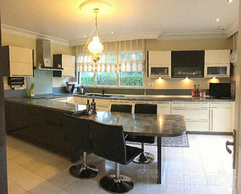 vente maison et villa de luxe mont saint aignan maison et villa de luxe maison d 39 architecte. Black Bedroom Furniture Sets. Home Design Ideas