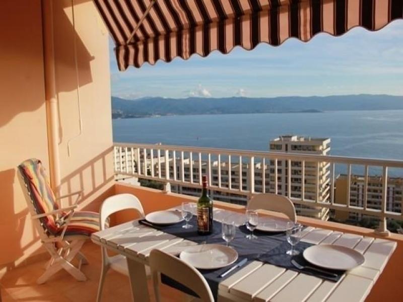 AJACCIO -  Très bel appartement face à la mer F3-137