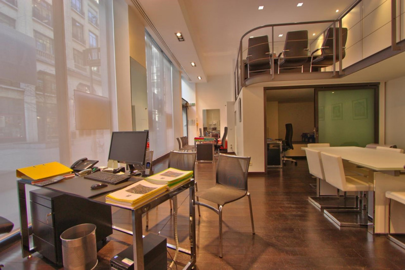 location bureau paris 8 me 75008 bureau paris 8 me de 79 m ref 585337. Black Bedroom Furniture Sets. Home Design Ideas