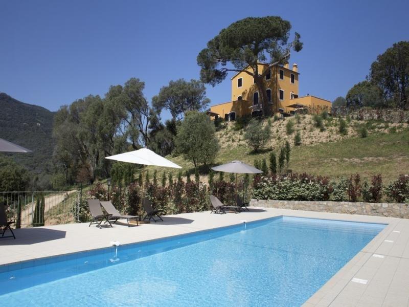 Hauteurs d'Ajaccio- Résidence avec piscine LE MOULIN 2