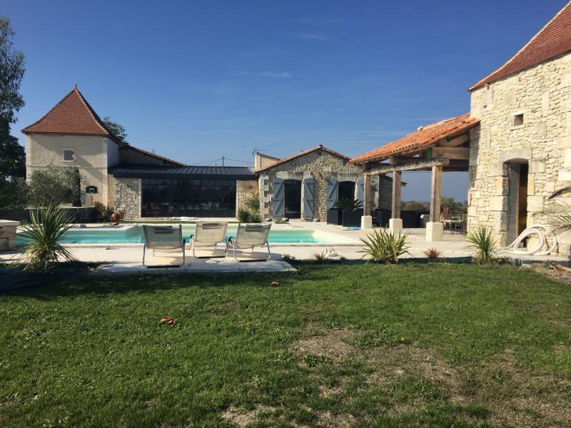Location vacances Barbezieux-Saint-Hilaire -  Maison - 12 personnes -  - Photo N° 1