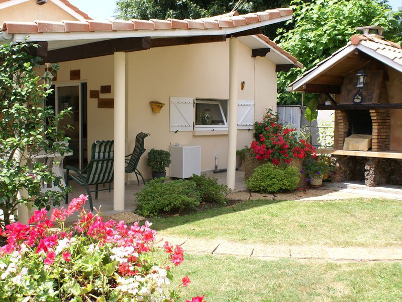Location vacances Mios -  Maison - 2 personnes - Barbecue - Photo N° 1