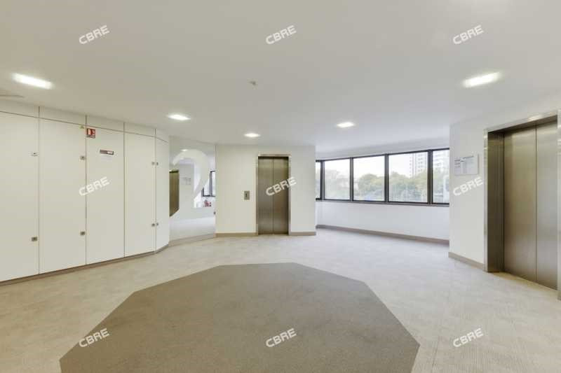 location bureau ivry sur seine val de marne 94 1136 m r f rence n 3101. Black Bedroom Furniture Sets. Home Design Ideas