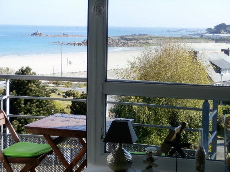 la pleine vue mer du balcon et du séjour