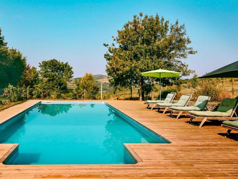 Mas en pierre pour 14 personnes dans un domaine viticole avec piscine privée