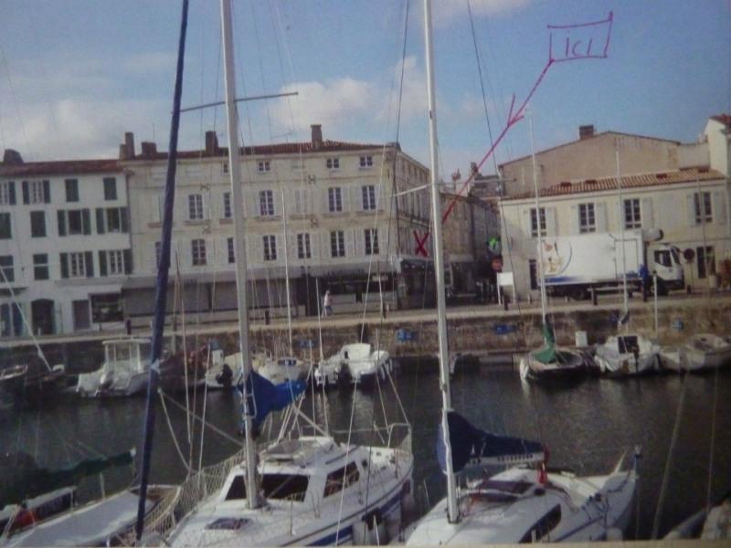 le port de Saint Martin de Ré avec l'emplacement du studio ( croix rouge)