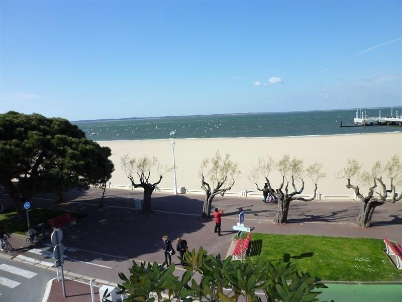 Arcachon hyper centre - grand T2 de 74m2 avec vue sur le bassin - terrasse et parking individuel ...