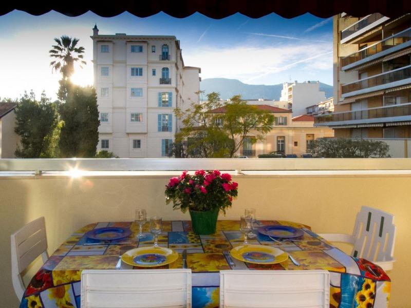 Location vacances Menton -  Appartement - 4 personnes - Jardin - Photo N° 1