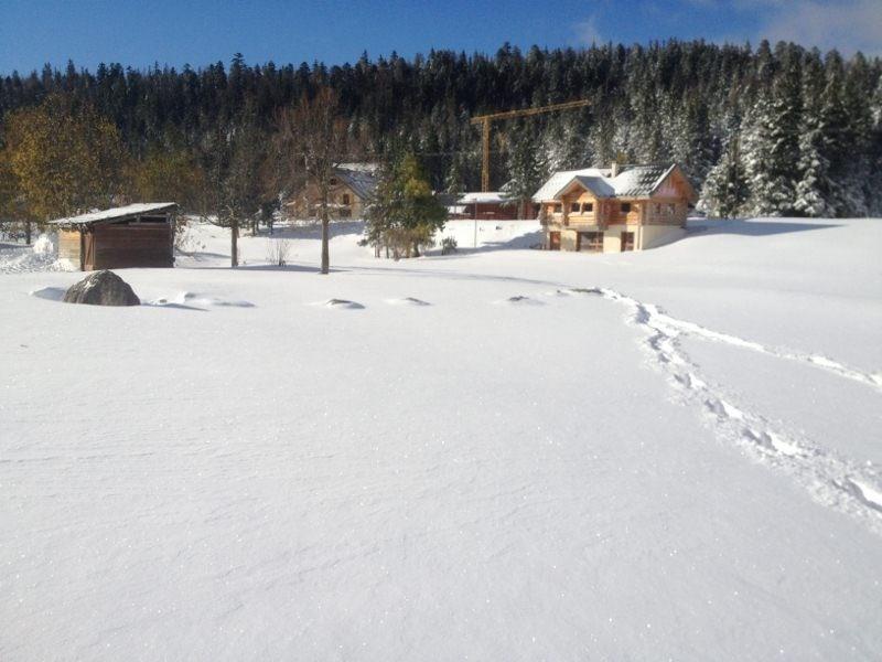 école de ski à quelques mètres de l'immeuble