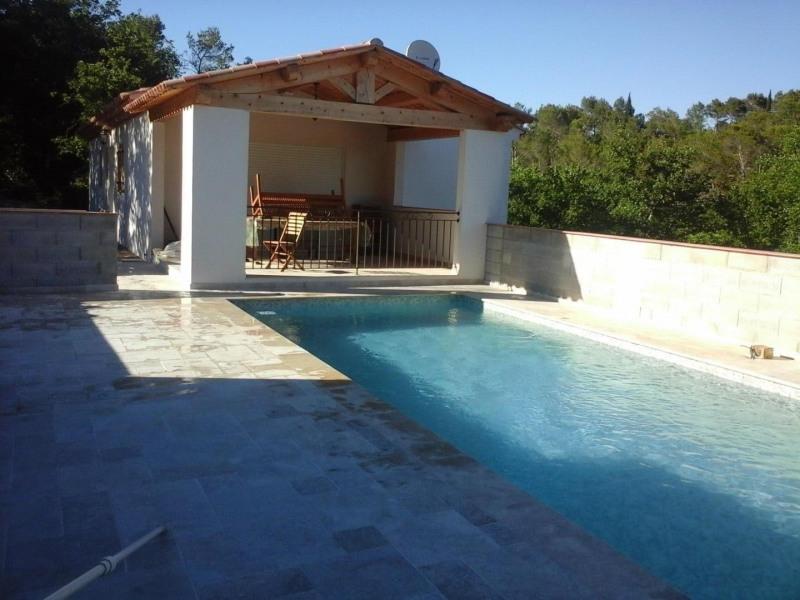 Villa neuve à SAINT PAUL EN FORET avec piscine