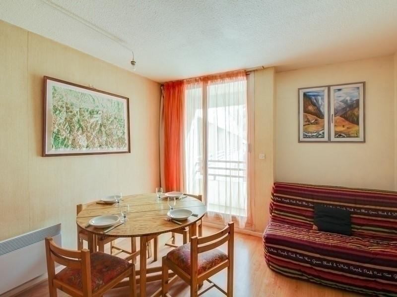 Location vacances Cauterets -  Appartement - 3 personnes - Court de tennis - Photo N° 1