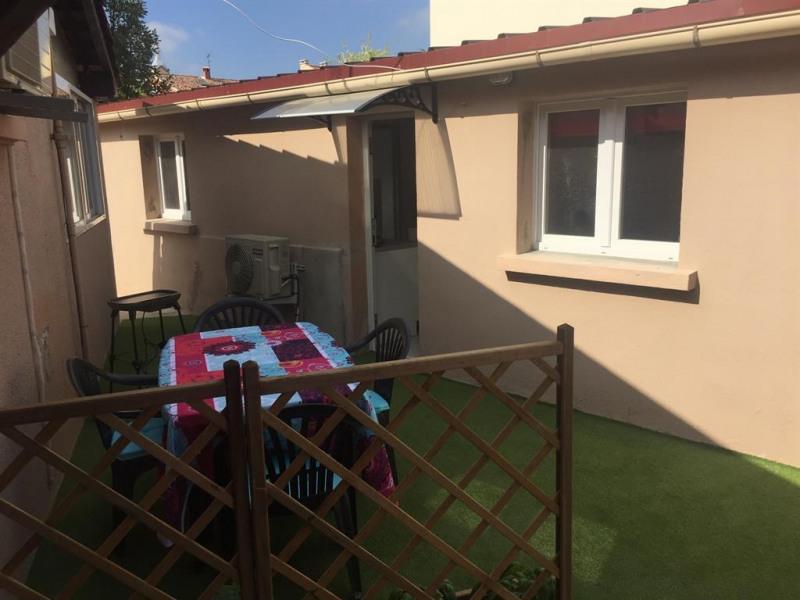 Maisonnette et jardin privatif
