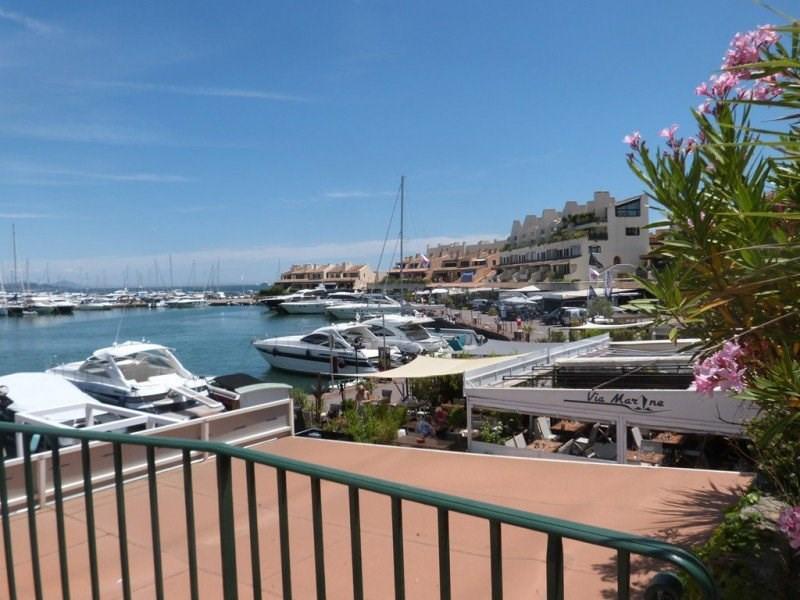 Villa sur les hauts de Grimaud avec piscine et très belle vue mer.