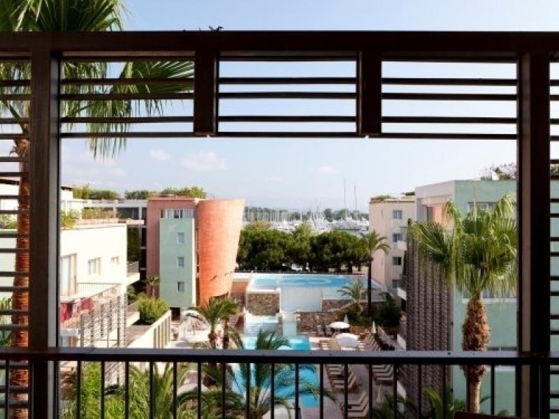 Location vacances Antibes -  Appartement - 4 personnes - Court de tennis - Photo N° 1