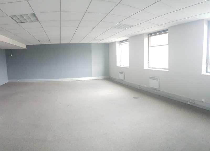 location bureau ivry sur seine val de marne 94 514 m r f rence n 688911w. Black Bedroom Furniture Sets. Home Design Ideas