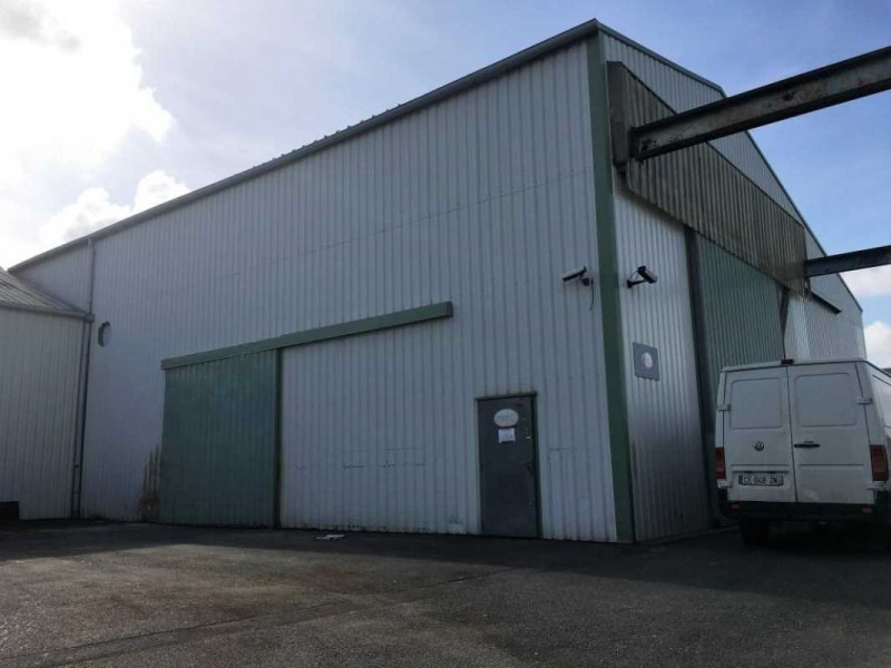Location entrep t saint herblain loire atlantique 44 530 for Location garage saint herblain