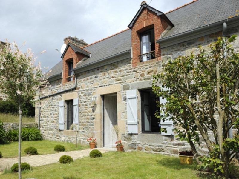 Maisons en pierre de pays avec vue sur la campagne - La Maison d'Amandine