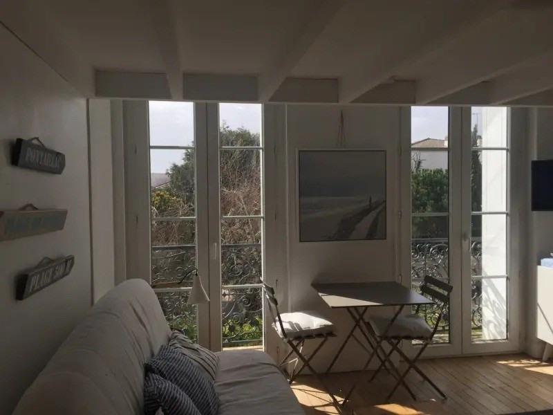 Royan - Foncillon, à 190 m de la plage de Foncillon, agréable studio situé au 1er étage sans asce...