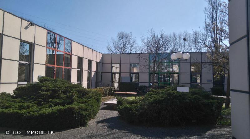 location bureau lab ge 31670 bureau lab ge de 105 m ref 0042 83. Black Bedroom Furniture Sets. Home Design Ideas