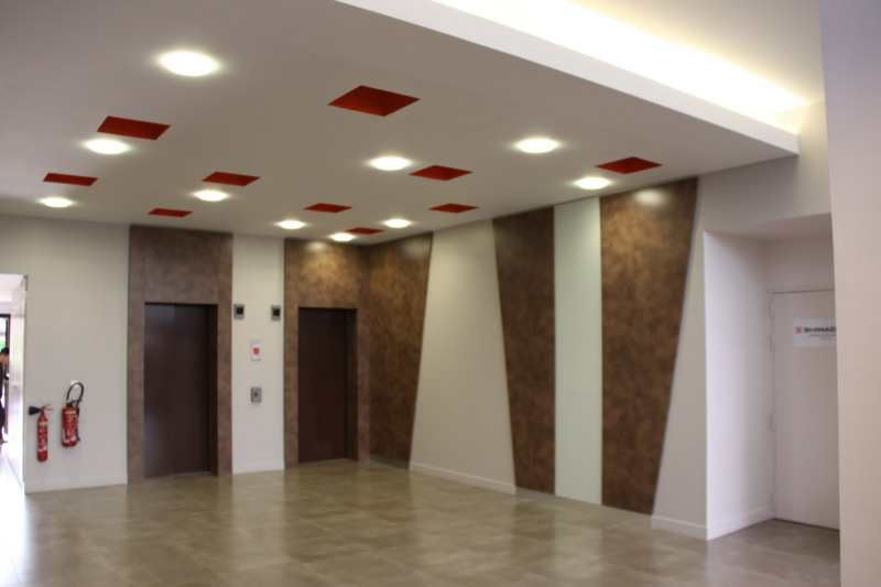 location bureau noisiel seine et marne 77 54 m r f rence n 116865709. Black Bedroom Furniture Sets. Home Design Ideas