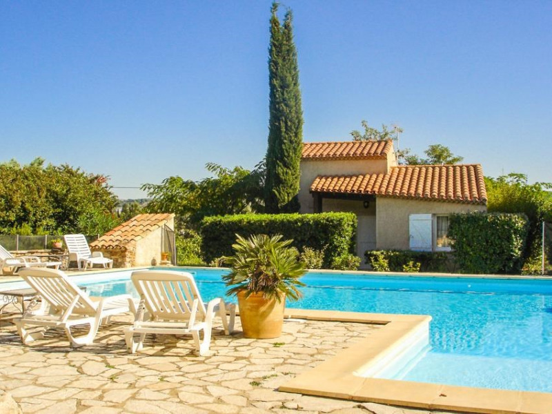 Nice villa for 5 persons in a vineyard with large swimming pool