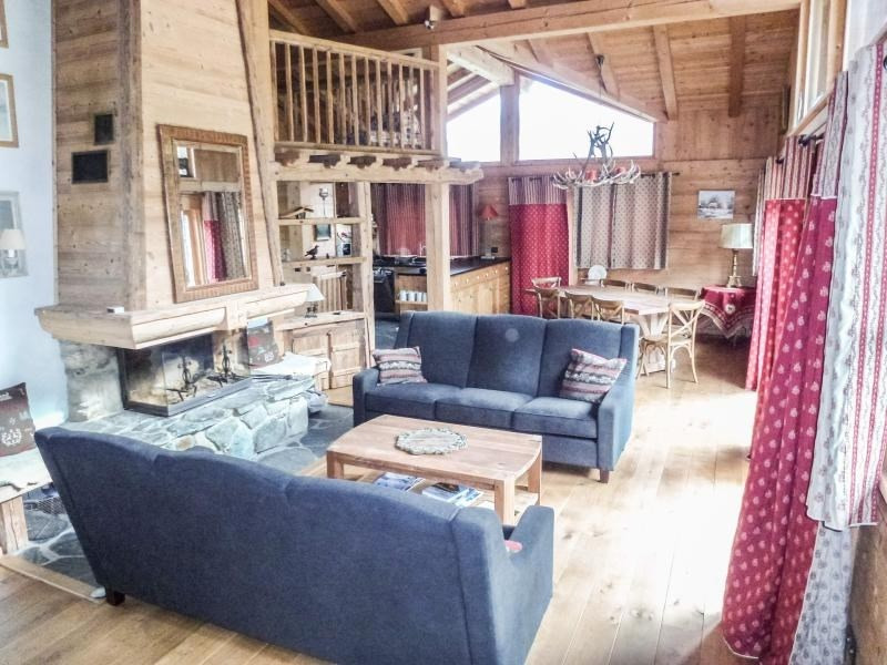 In a quiet and rural area, charming chalet for 12 people.