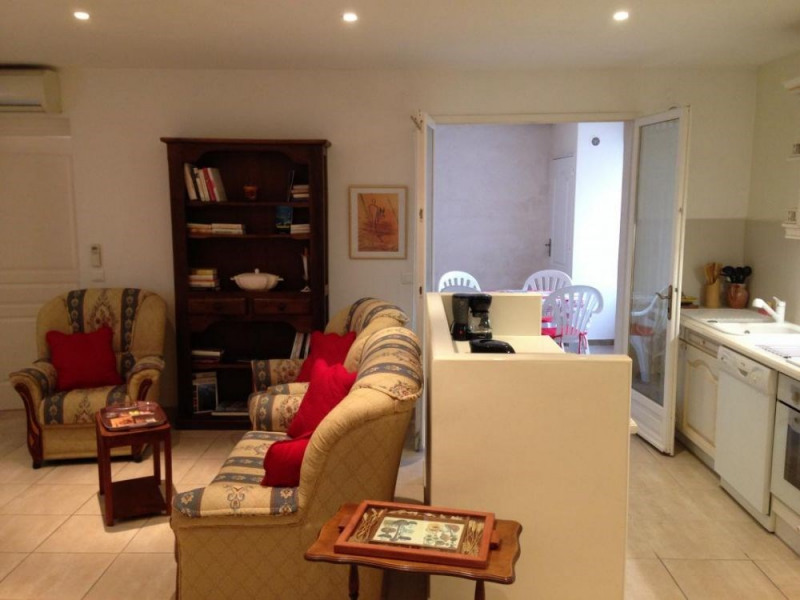 Gîtes de France Gîte l'Oustaou de Justine. Appartement très lumineux et de bon standing dans une maison de village av...