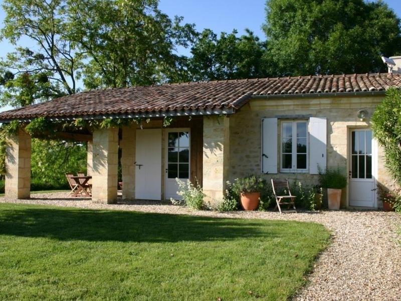 Location vacances Saint-Ciers-de-Canesse -  Maison - 4 personnes - Barbecue - Photo N° 1
