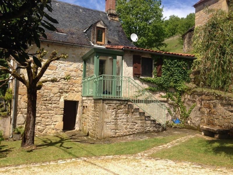Location vacances Azerat -  Maison - 7 personnes - Barbecue - Photo N° 1