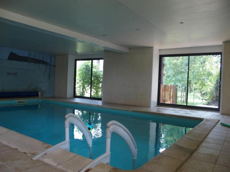 piscine couverte et chauffée 28° toute l'année