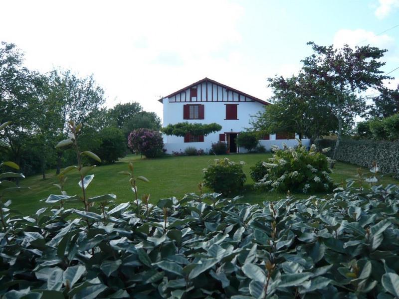 vue de la location et du jardin.