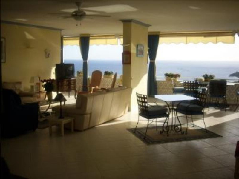 APPARTEMENT GRAND STANDING -