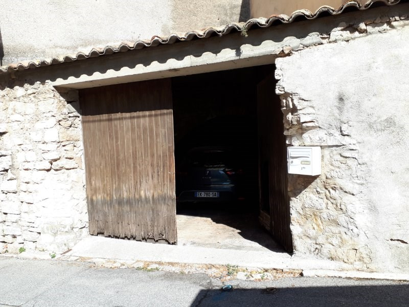 Vente Parking / Box 30m² Eguilles